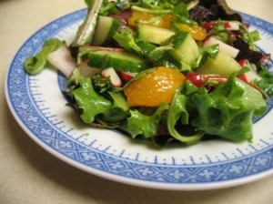 mixed-green-salad-with-oranges